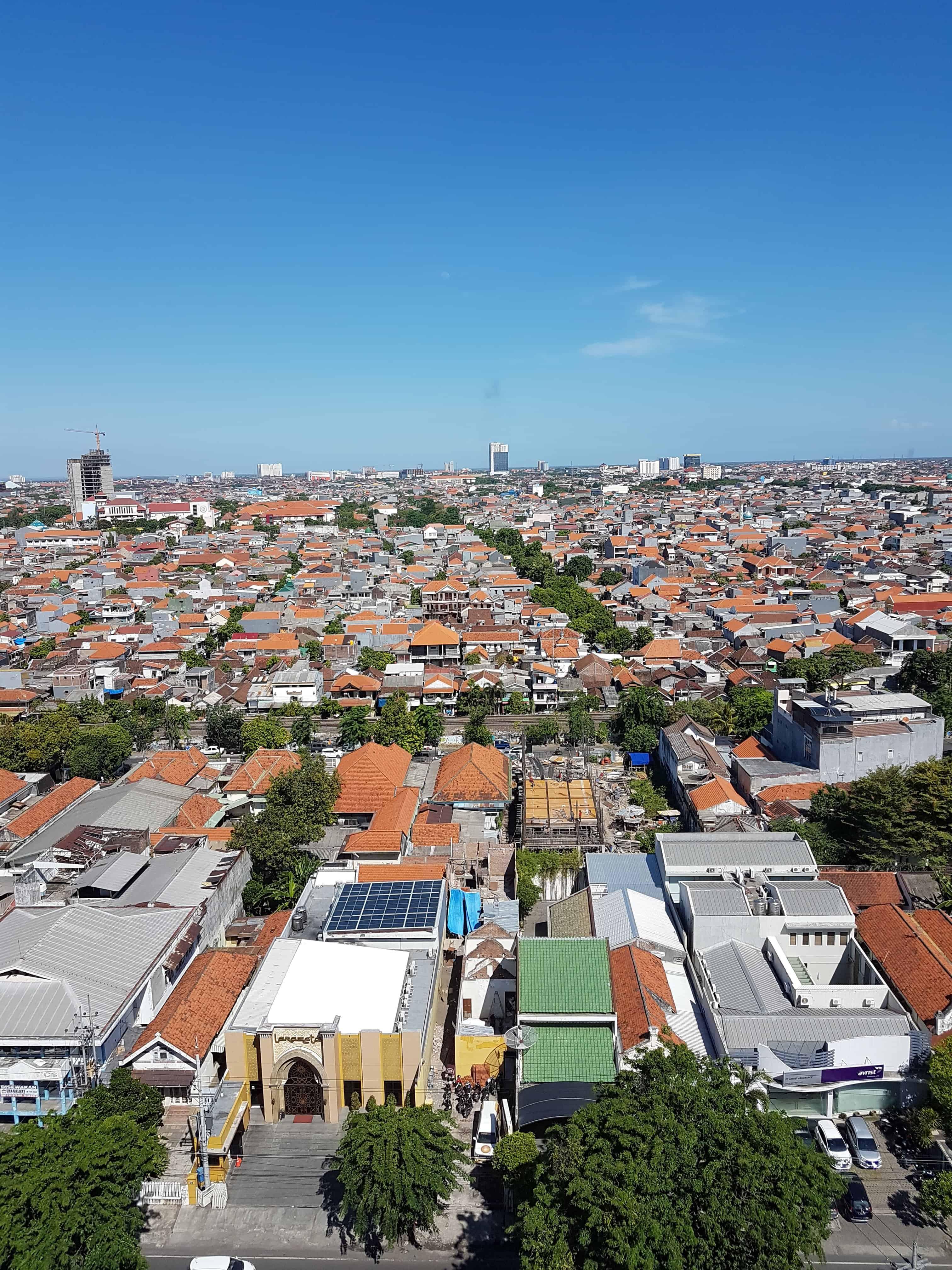 Vue depuis le Pop Hotel de Surabaya, Indonésie