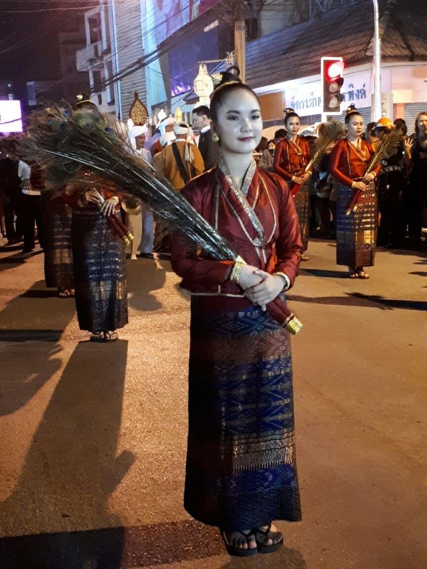 Thaïlande, parade dans les rues de Chiang Mai 🎆 2