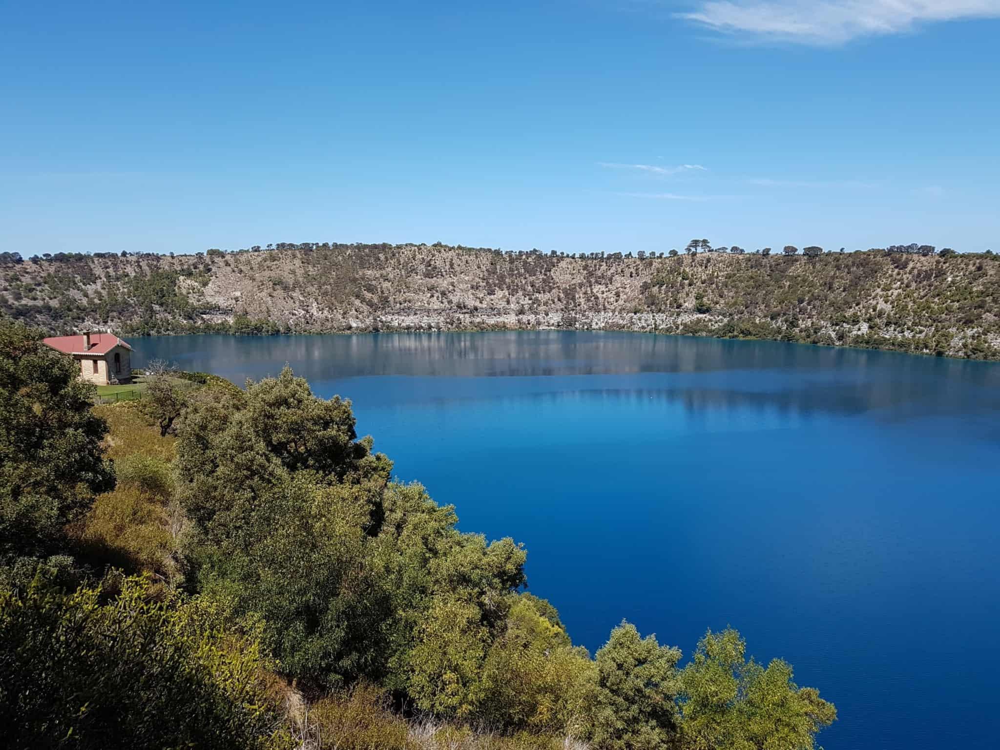 Australie, la beauté du Blue Lake formé dans le cratère d'un volcan 🌋 14