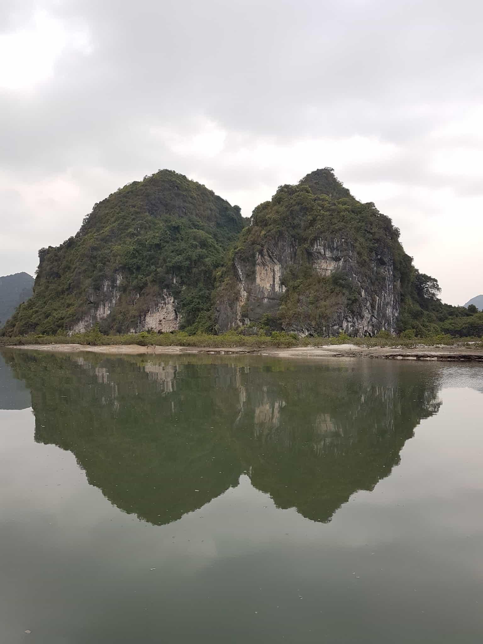 Vietnam, tour en bateau privé dans la baie d'Halong ⛵ 5