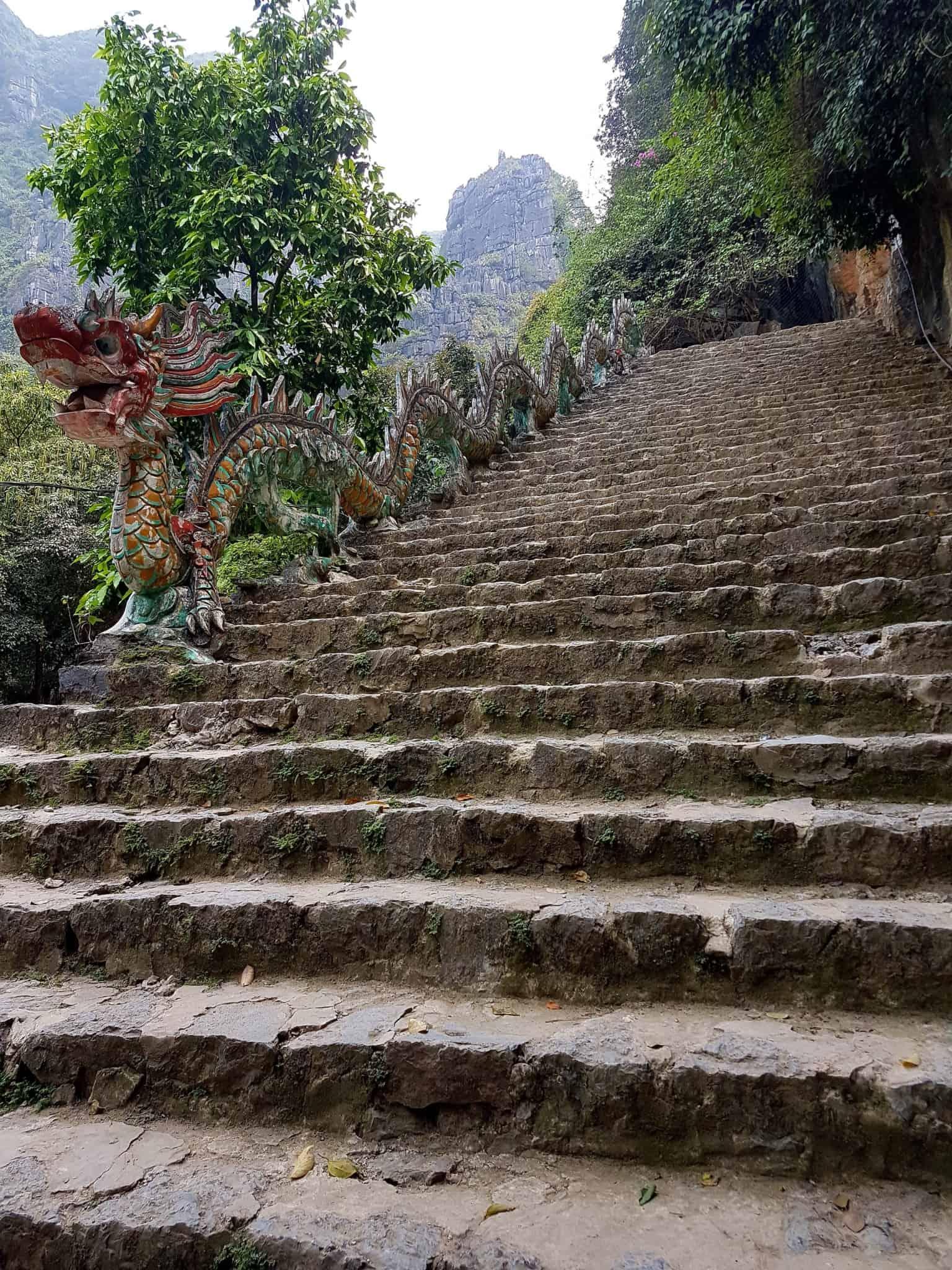 Vietnam, la vue spectaculaire sur Tam Coc depuis la Lying Dragon Mountain 😍 6