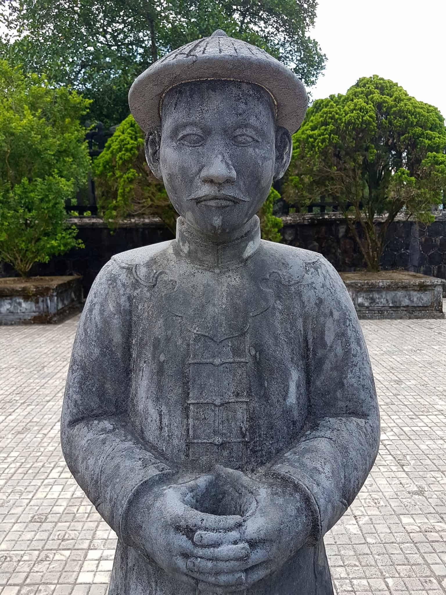 Vietnam, scotchés devant la beauté du mausolée de l'empereur Khai Dinh ⚰ 8
