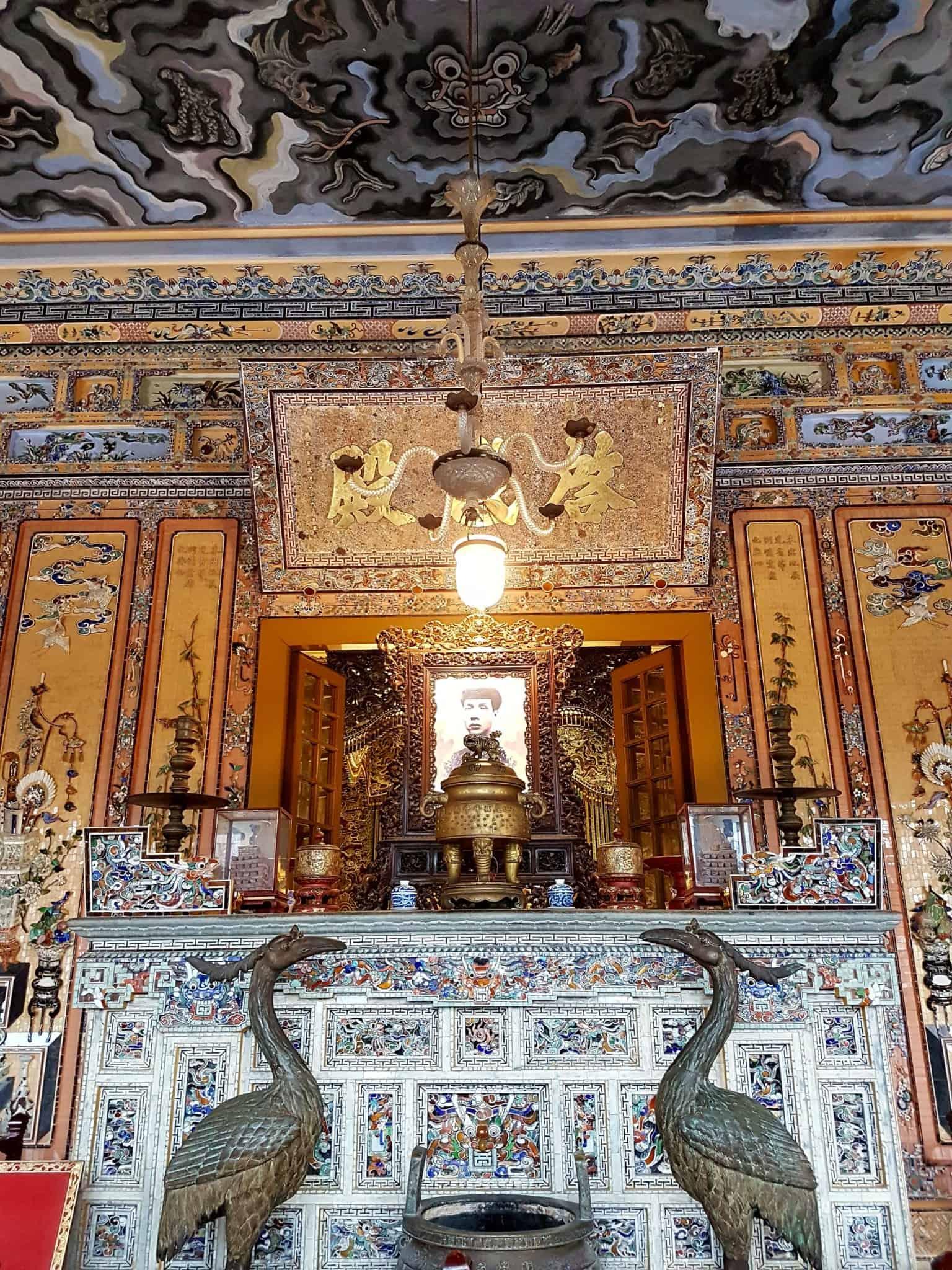 Vietnam, scotchés devant la beauté du mausolée de l'empereur Khai Dinh ⚰ 12