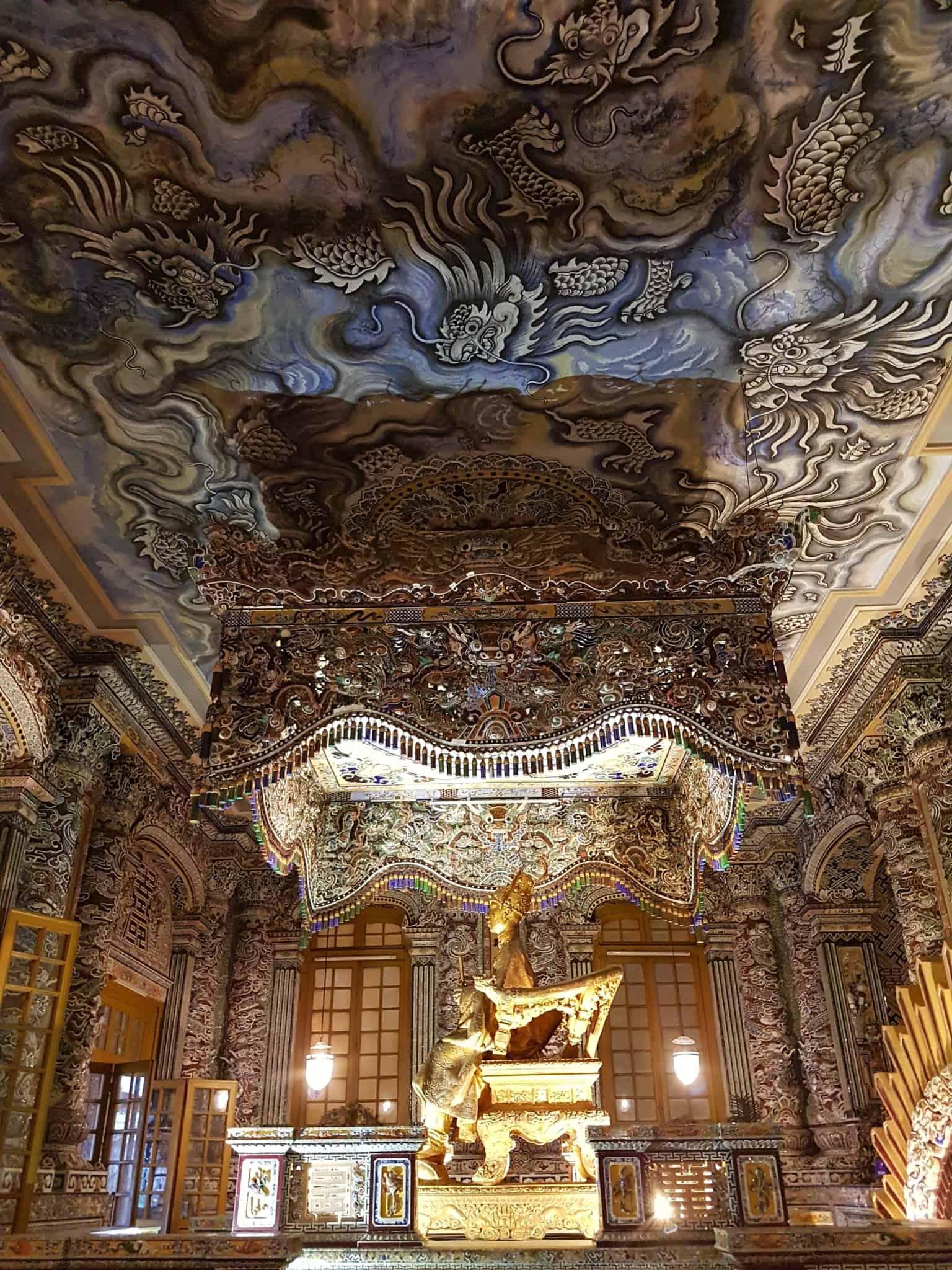 Vietnam, scotchés devant la beauté du mausolée de l'empereur Khai Dinh ⚰ 16
