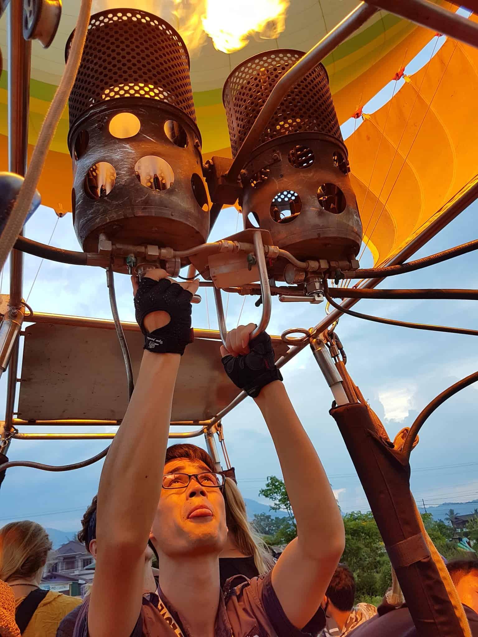 Laos, un vol en montgolfière au dessus de Vang Vieng riche en émotions 🎈 5