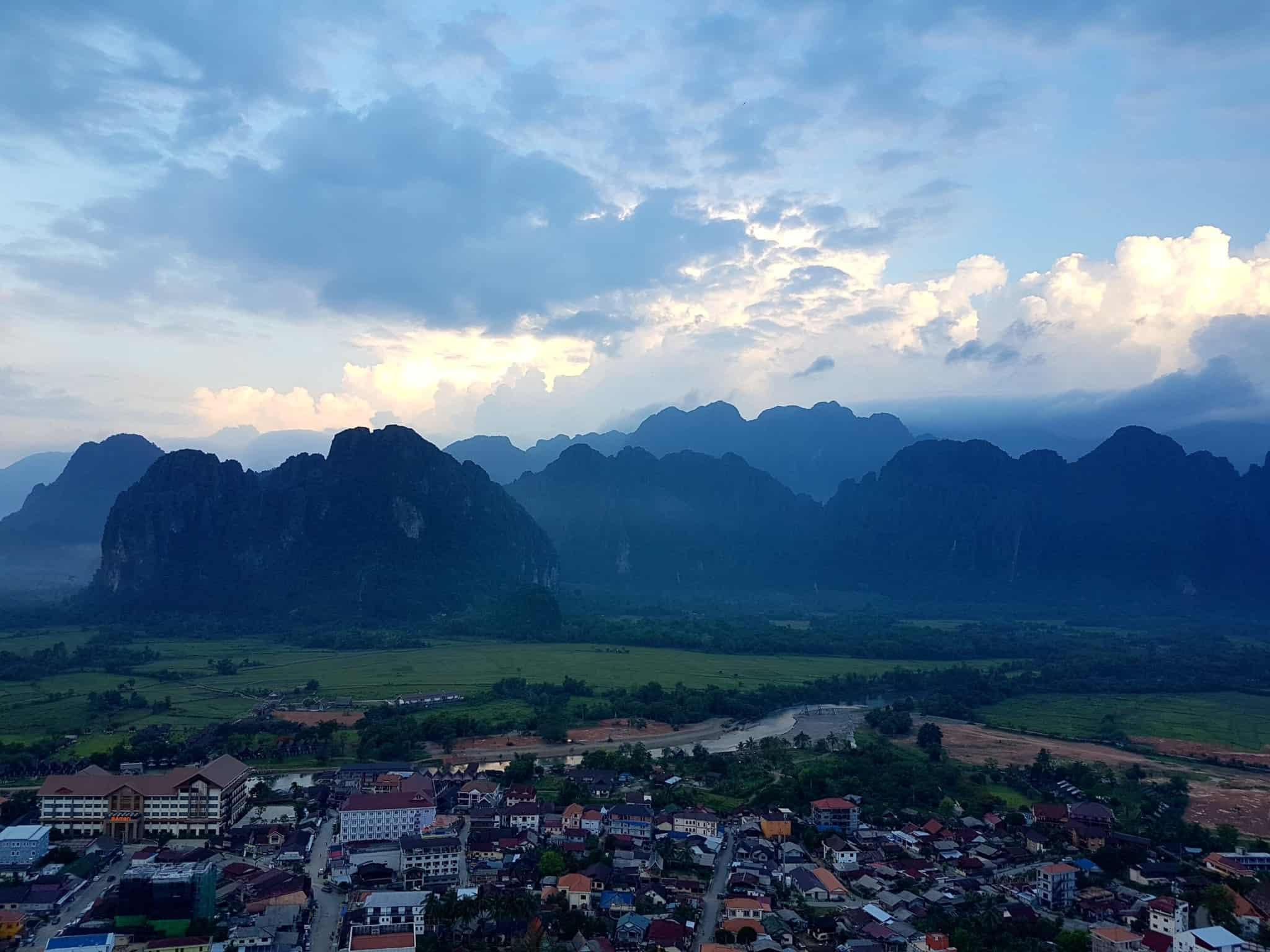 Laos, un vol en montgolfière au dessus de Vang Vieng riche en émotions 🎈 10