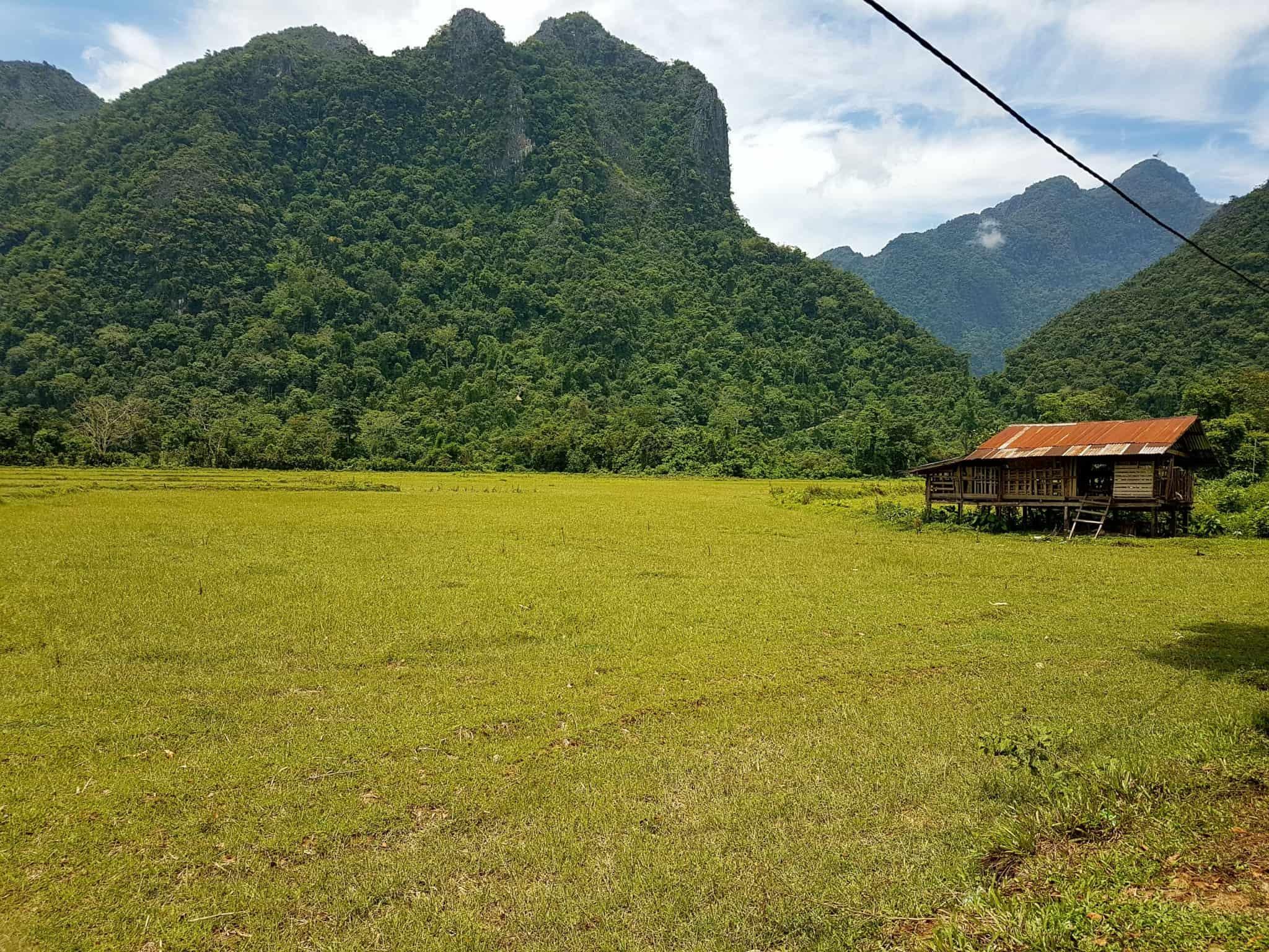 Laos, quand tu te prends pour Pocahontas sur un canoë à Vang Vieng 🛶 4