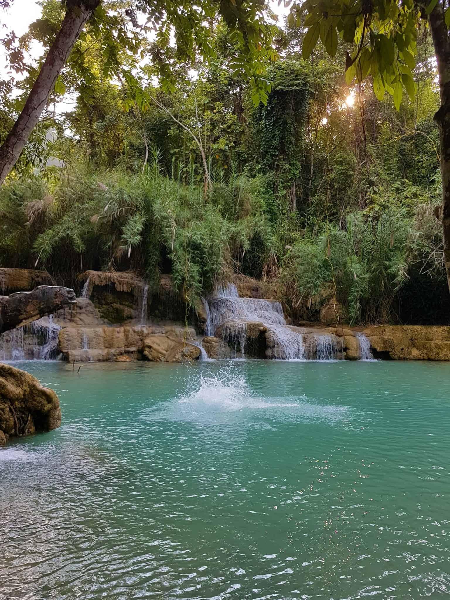 Laos, Kuang Si Waterfall une cascade à couper le souffle 👙 11