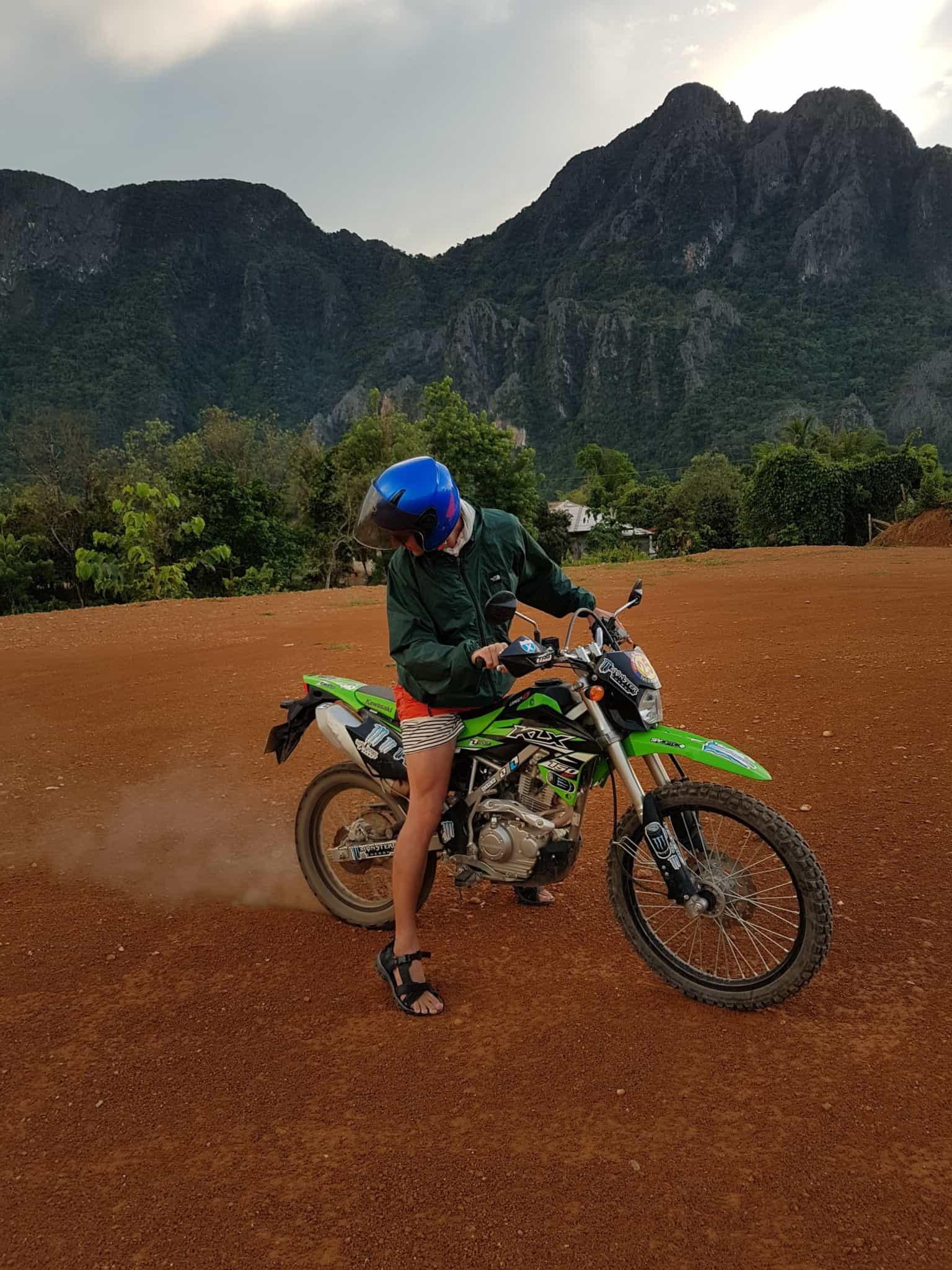 Laos, au cœur de la magnifique campagne de Vang Vieng en moto cross 🏍 20