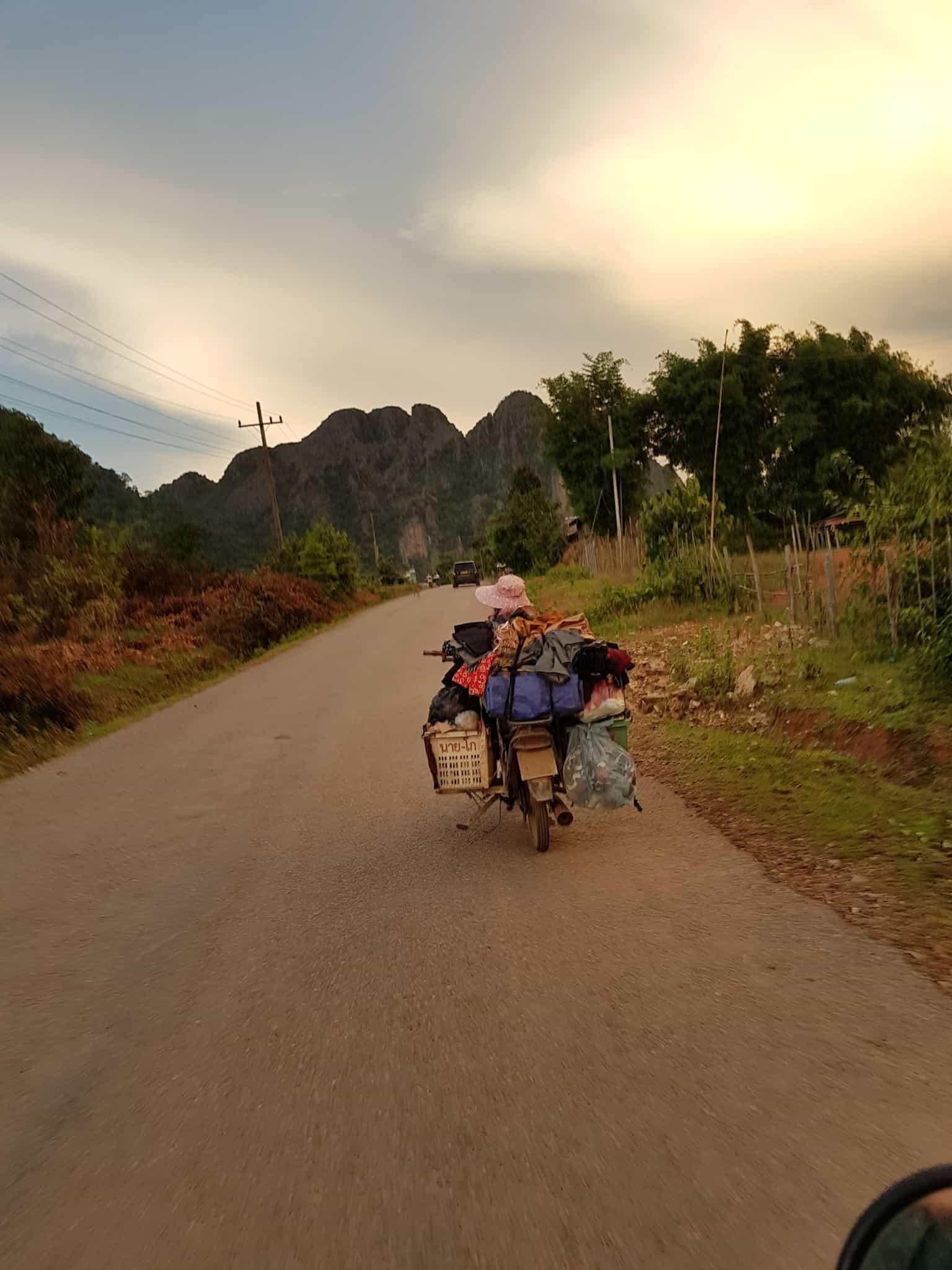 Laos, au cœur de la magnifique campagne de Vang Vieng en moto cross 🏍 19