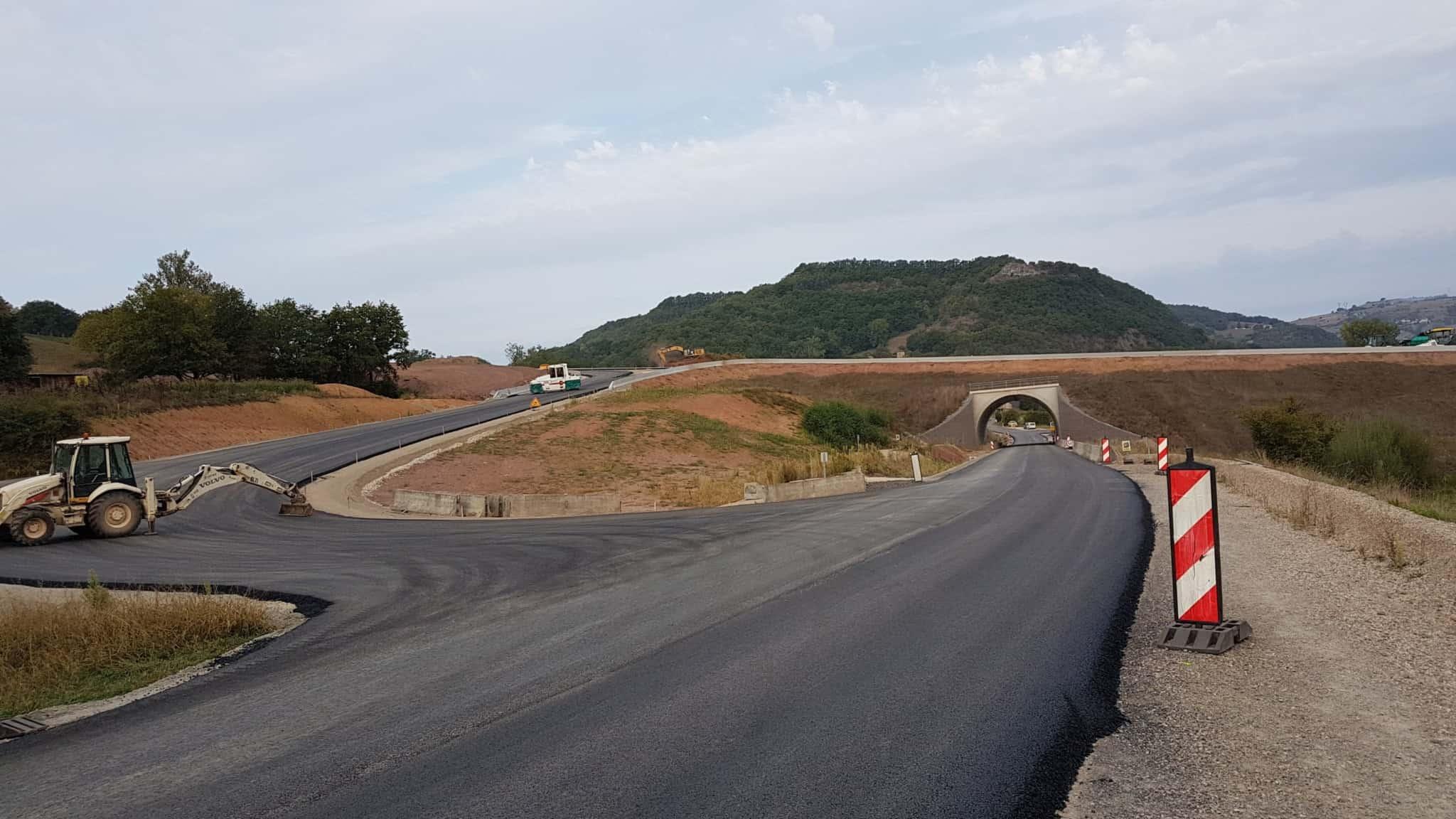 Chemin de Compostelle, on visite le charmant village d'Estaing 🌺 4