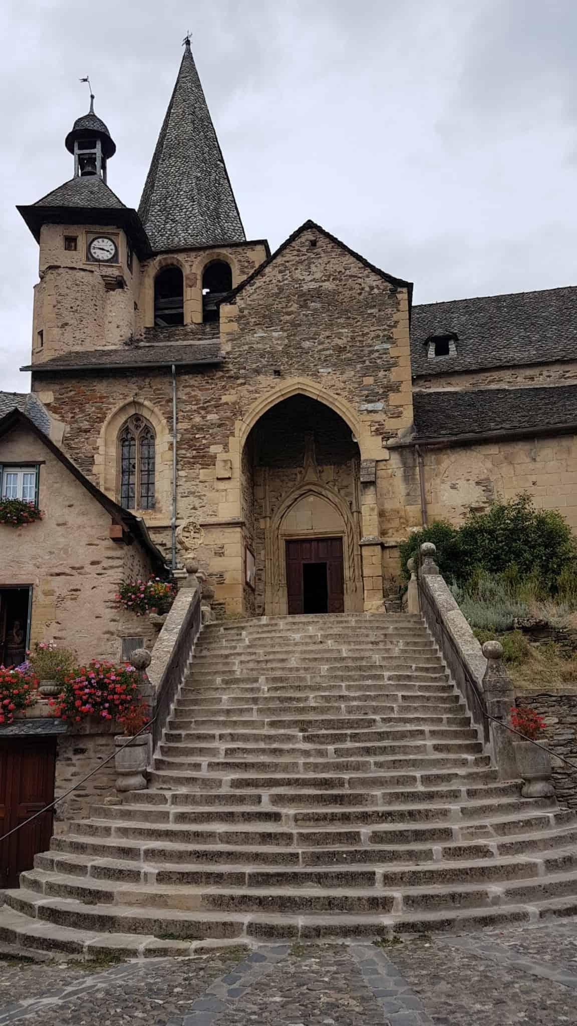 Chemin de Compostelle, on visite le charmant village d'Estaing 🌺 29