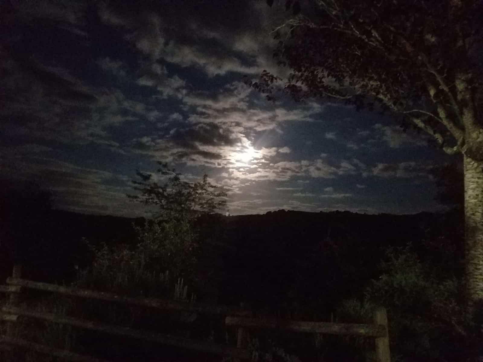 Chemin de Compostelle, une belle soirée au clair de lune à Sénergues 🌚 24