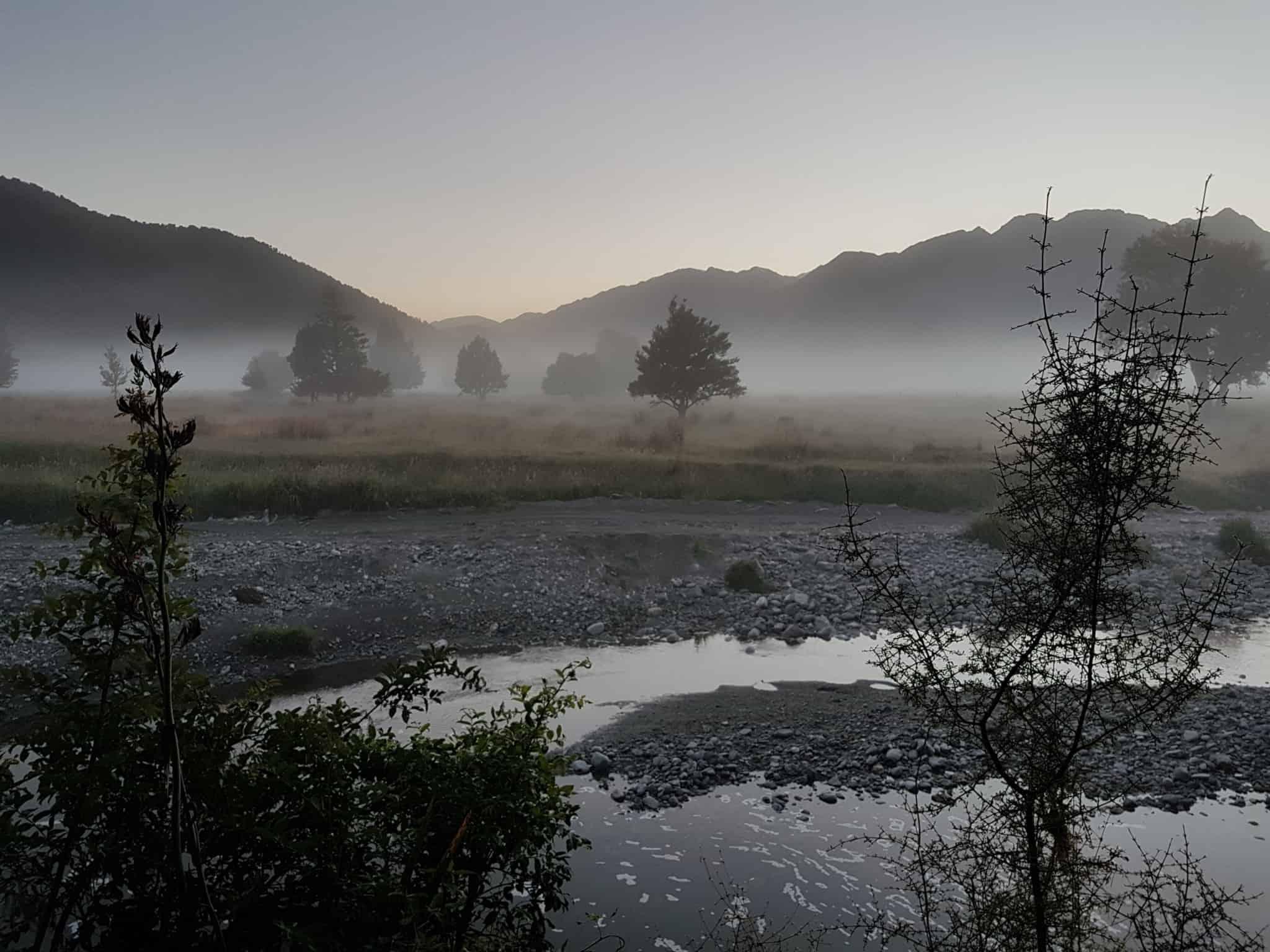 Nouvelle-Zélande, un levé de soleil féerique sur le lac Matheson ☀️ 6
